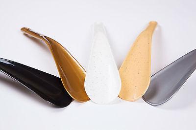 Schuhanzieher, Schuhlöffel Kunststoff kurz mit Loch 19 cm.