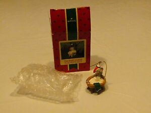 RARE ornament Hallmark Christmas Squeaky Clean Mouse bath tub handcrafted 1988