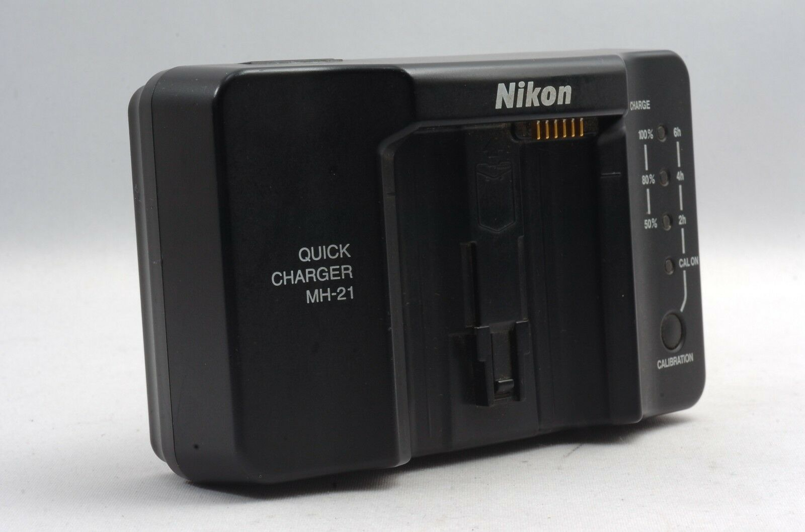 @ Ship in 24 Hours! @ Rare! @ Rollei Charger L for SL 2000 Made in Germany
