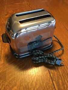 Unique-Disneyland-Collectible-Same-Toaster-as-in-Walt-039-s-Apartment-1B8