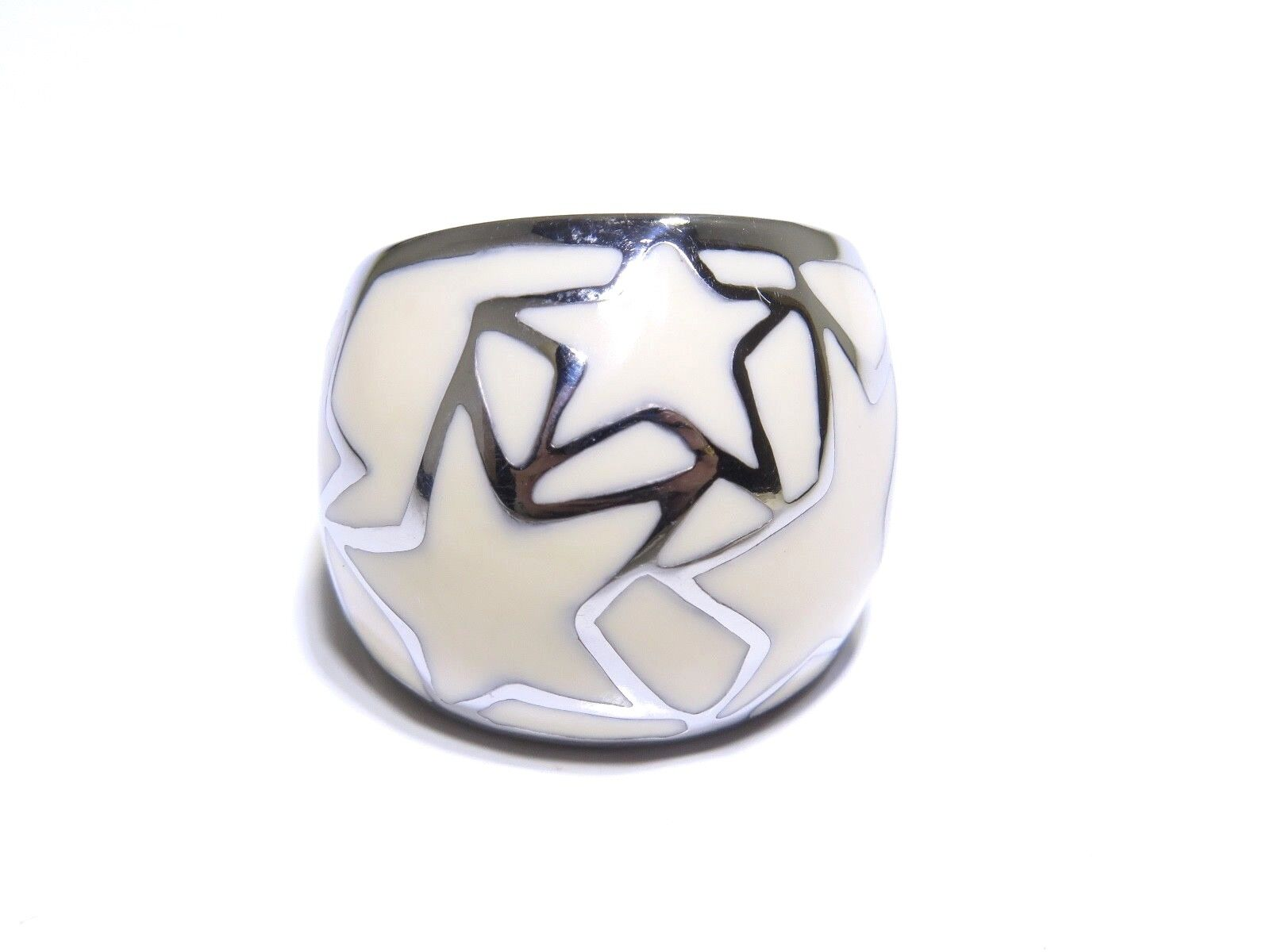 Ladies White   Tan Enamel Star Accents 12.5g Stainless Steel Ring
