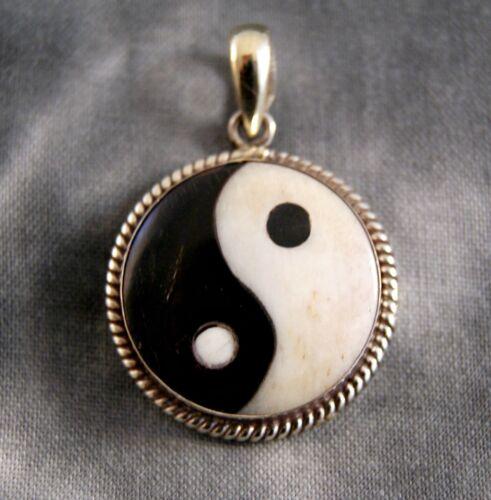 1144 Anhänger Yin Yang ~ Silber ~ Handarbeit aus Nepal