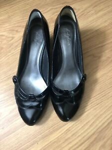 Ladies M And S Footglove Black Patent