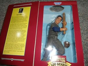 Starting Lineup Cooperstown Collection Lou Gehrig Fully Posable Figure 1996 *NEW