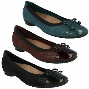 2fa4e04dc75 SALE CANDRA GLOW LADIES CLARKS PATENT TOE CAP WIDE FIT BOW TRIM FLAT ...
