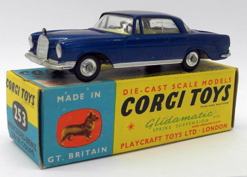 Vintage Corgi Toys Diecast - 253 Mercedes Benz 220 SE Coupe bleu