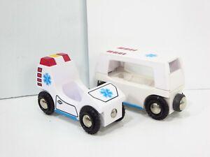 Brio-Wooden-Railway-Hospital-Ambulance-Train-Cars-Lights-Sounds-33541-Thomas-HTF