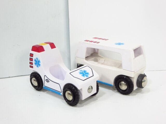 Brio Wooden Railway Hospital Ambulance Train Cars Lights Sounds 33541 Thomas HTF