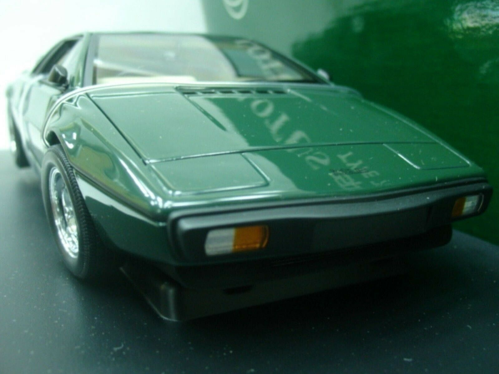 WOW EXTREMELY RARE Lotus 1979 Esprit S2 RHD 160HP B.R.Green 1 18 Auto Art-111 V8