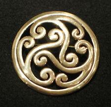 Fibel BRONZE  Kelten   Mittelalter Brosche und Anhänger keltische Triskele