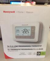 Honeywell Programable Thermostat Brand New Oakville / Halton Region Toronto (GTA) Preview