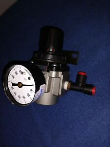 UP TO 12 SMC AIR REGULATOR WITH GAGE//MOUNTING BRACKET AR20K-N02-Z