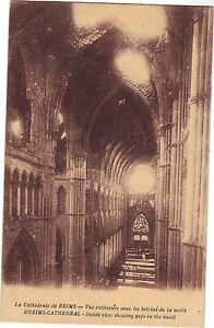 Reims-die-Kathedrale-Ansicht-Innen-mit-die-Luecken-From-The-Vault-F8858