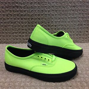 39c4628cb6 Vans Men Women s Shoes