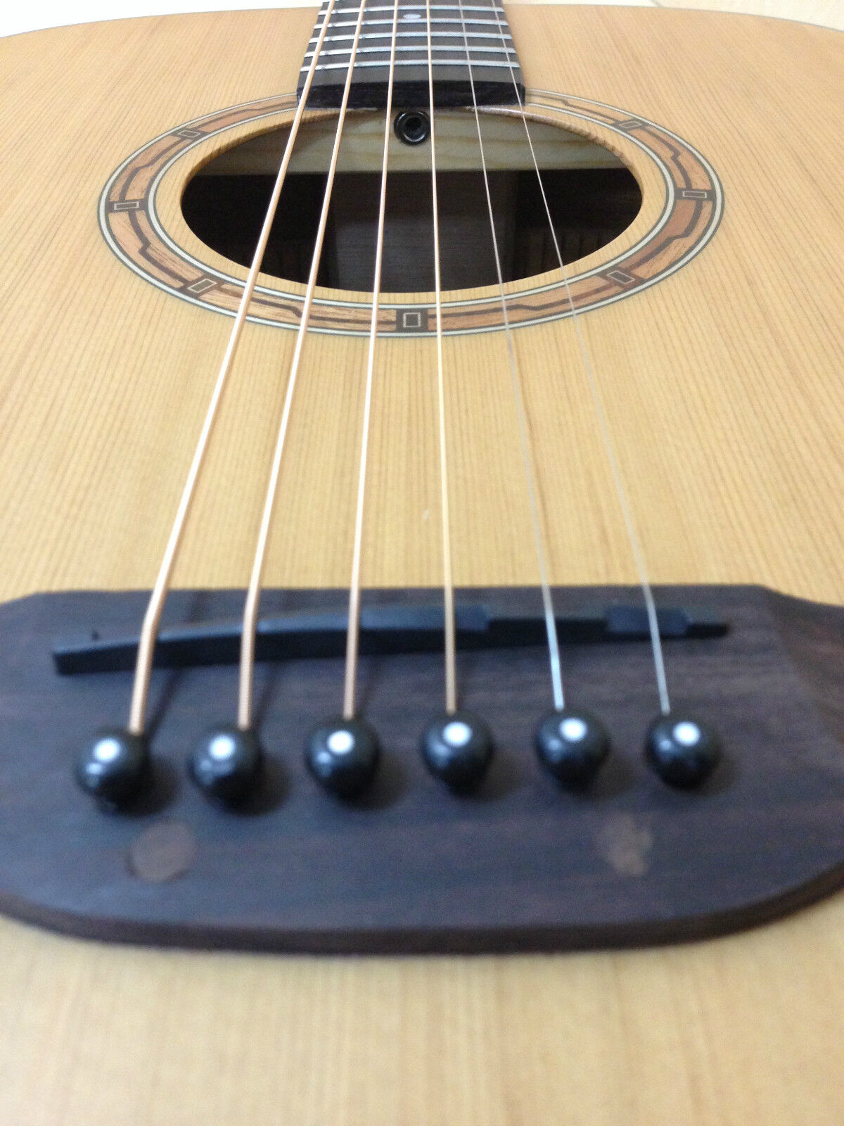 Klema K100DC Solid guitarra acústica acústica acústica superior de Cedro, Matt + Gratis Bolsa Acolchada natural, Sintonizador 4d88cb