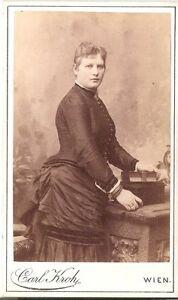 CDV-photo-Feine-Dame-Wien-1880er