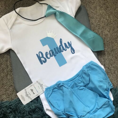 I Am 1 One 1st Birthday Top Baby Grow Boys Body Suit Outfit Cake Smash Bow Tie