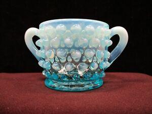 Without Return ag022 Fenton Blue Hobnail Sugar Bowl