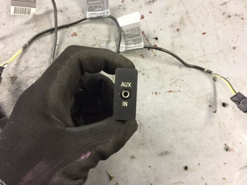 Bmw e90 e9x aux port with connecting wire 2005-2013 6940237 6131693056102
