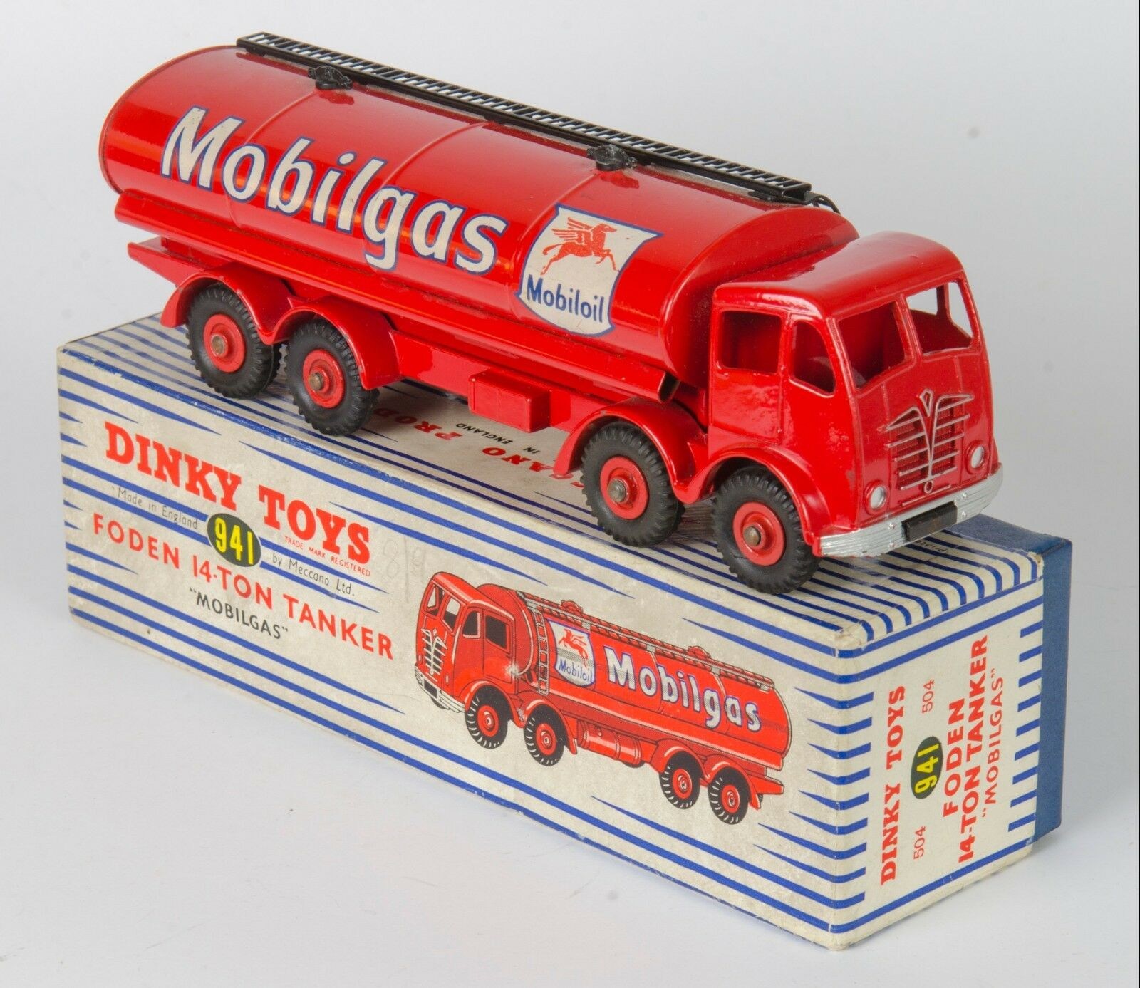 Dinky 941 Foden 14-Ton Mobilgas Fuel Tanker. Red. Very Near-MINT Boxed. 1956