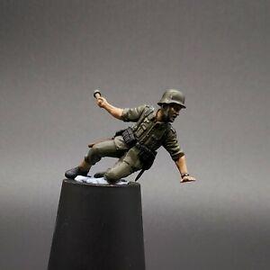 Painted-1-35-Scale-German-Throwing-Stick-Grenade-Masterbox