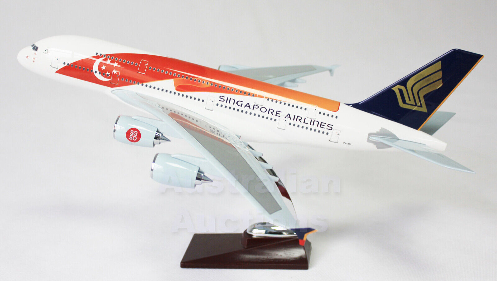 SINGAPORE AIRWAYS 50th Anniversary A380 LARGE PLANE MODEL APX 47cm SOLID RESIN