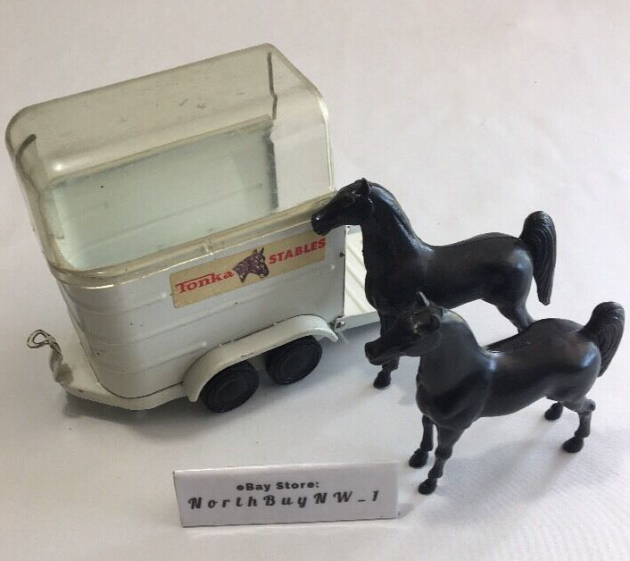 RARE TONKA STABLES 52620 -Steel Trailer, 2 Horses & Clear Dome Cover VINTAGE