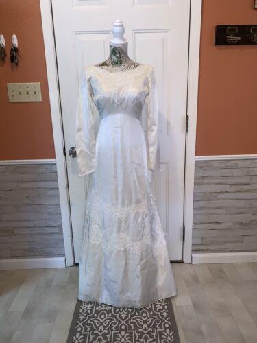 Vintage 1950s/60s Wedding Gown
