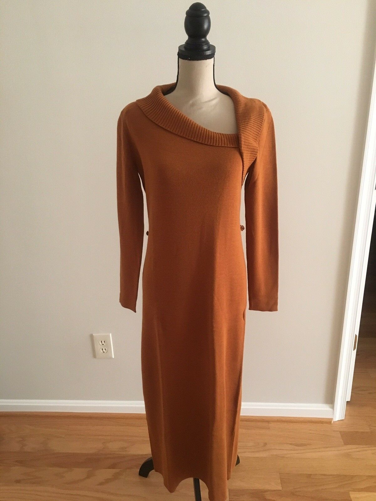 New Without Tags  Adrianna Papell Sweater Dress Size S Caramel   Pumpkin