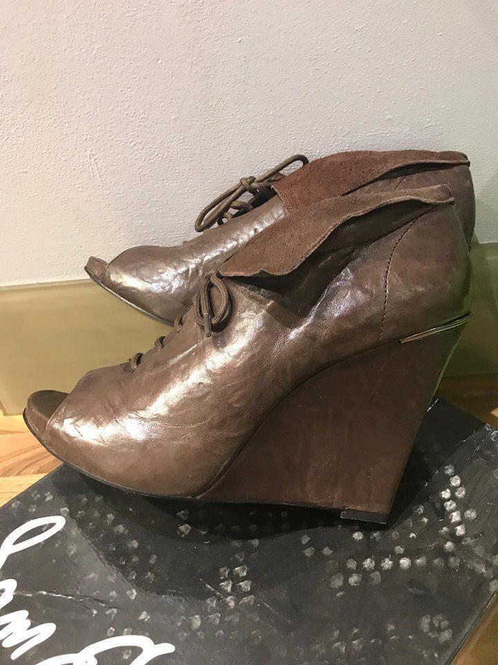Entièrement neuf dans sa boîte Sam Edelman Femme S-Wakefield sundgry Leather Wedge démarrage uk8 us10