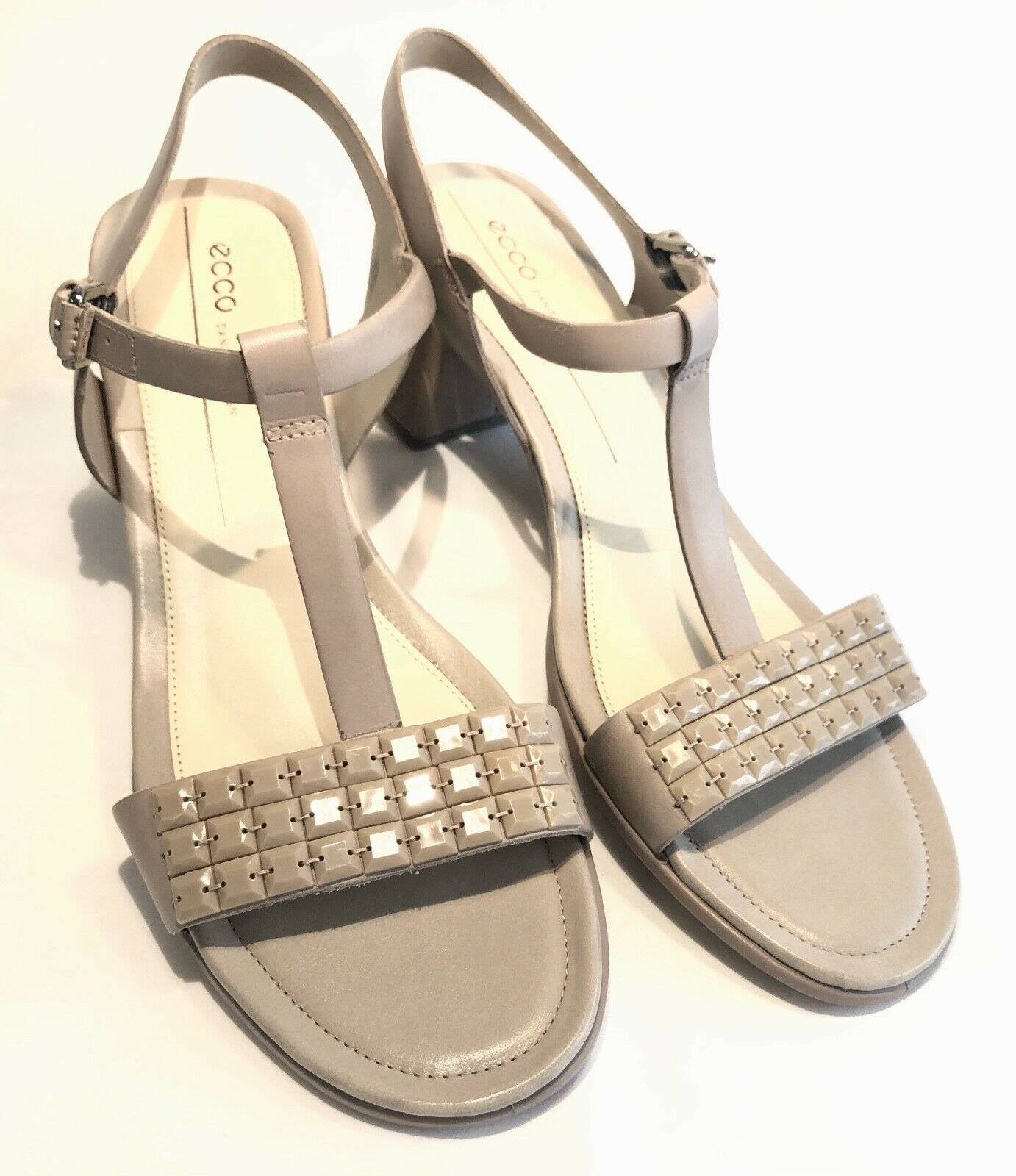ECCO SHAPE 35 T BAR TAUPE LEATHER EMBELLISHED SANDAL SIZE 42 8 NWOT DAY TO NIGHT