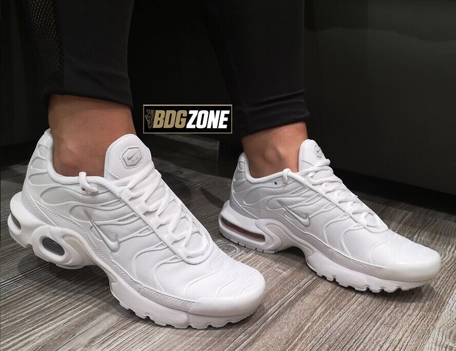 NIKE AIR MAX PLUS TN 'Weiß  (GS) (AR1852 100) YOUTH TRAINERS UK 3-6