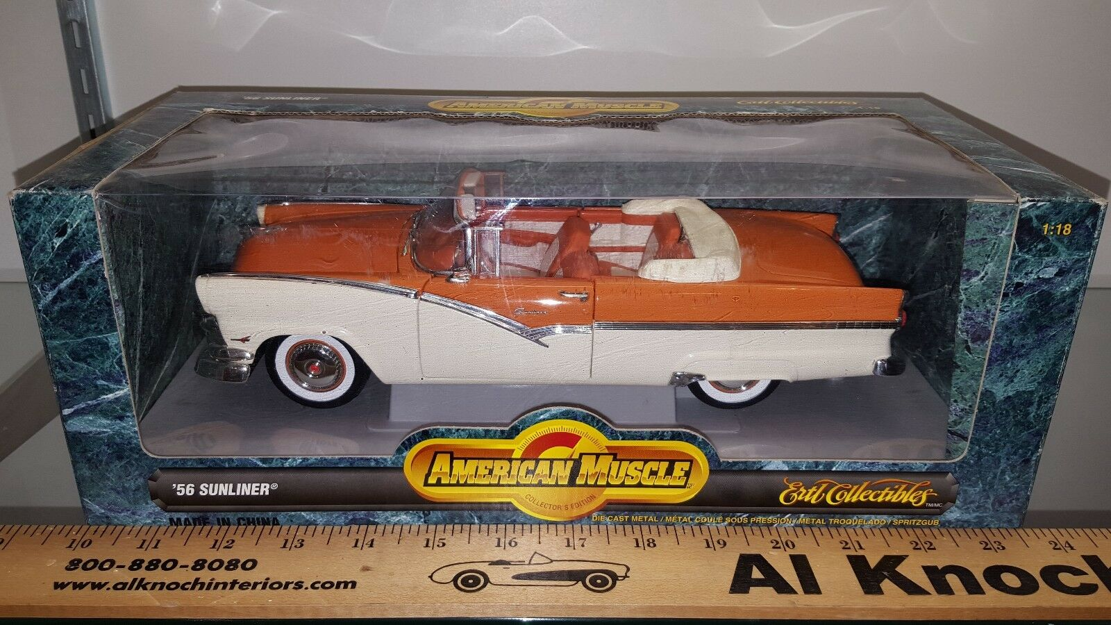 1 18 ERTL AMERICAN MUSCLE 1956 FORD SUNLINER MANDARIN orange & WHITE yd