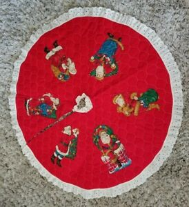 Vintage-Classic-Red-Christmas-Tree-Skirt-w-Santa-Claus-Lace-Edge-Quilted