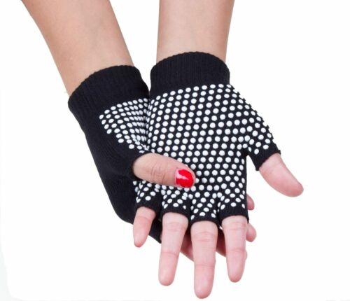 Yoga glove and sock set