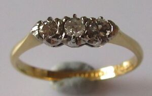 Vintage-18ct-Yellow-Gold-Platinum-Diamond-3-Stone-Ring-Size-M