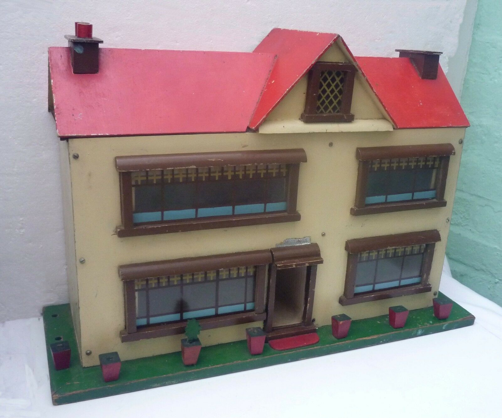1930s   1950s Vintage TOY DOLL'S HOUSE