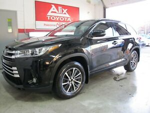 2017 Toyota Highlander XLE + Toit.Ouvrant + Cuir + Cam.Recul + 8 Passager