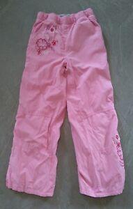 Hose mit rosa blumen