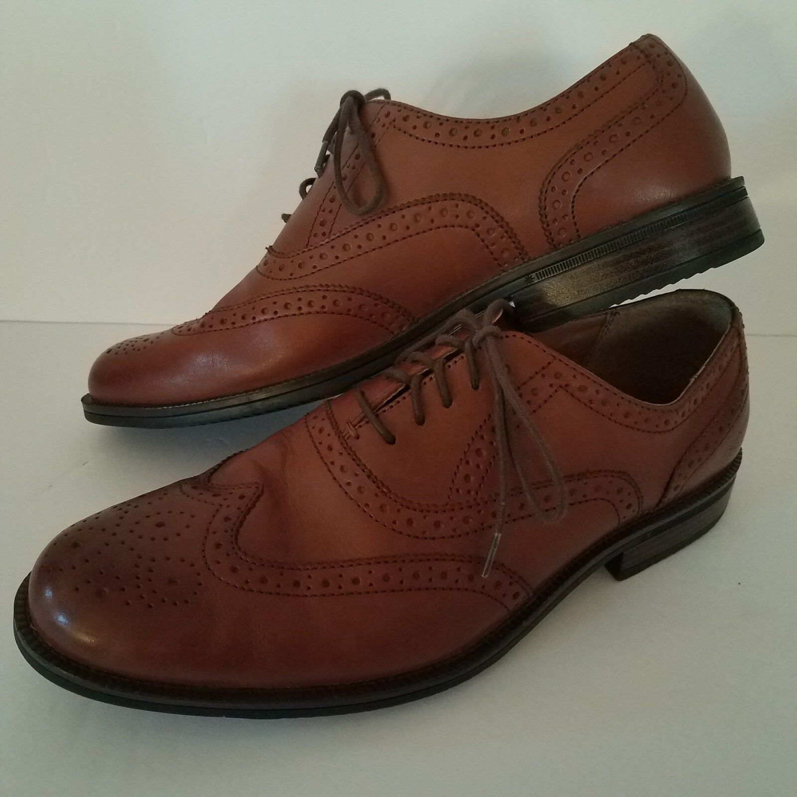 GH Bass And Co Nicholas 9M Wingtip shoes Brown Dress Oxfords Leather Uppers Mens