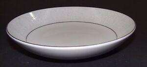 Vintage-Crown-Victoria-Fine-China-Lovelace-Pattern-5-1-2-034-Fruit-Dessert-Bowl