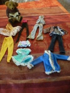 lot-11pieces-vetements-barbies-et-mannequin-dont-un-ensemble-lame-vintage