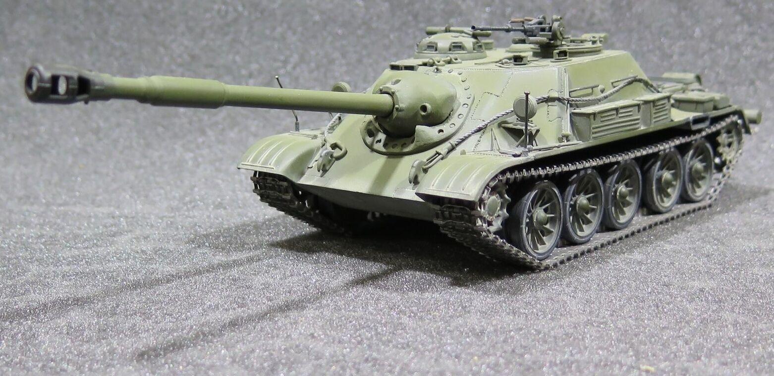 MI0474 - 1 35 PRO BUILT Scratch-Built Soviet SU-122-54
