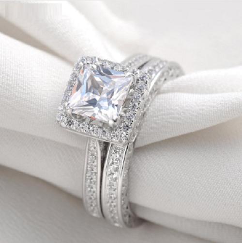 2.10 CT Halo Stye Princess Diamond 925 Silver Engagement Ring For Women's