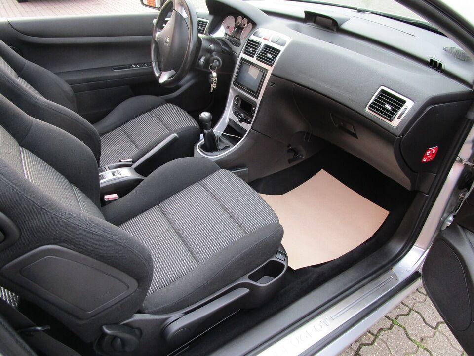 Peugeot 307 2,0 16V CC Benzin modelår 2004 km 124000 nysynet