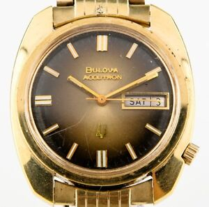 Vintage-Bulova-Accutron-Men-039-s-Gold-Electroplate-Tuning-Fork-218-Watch-Day-Date