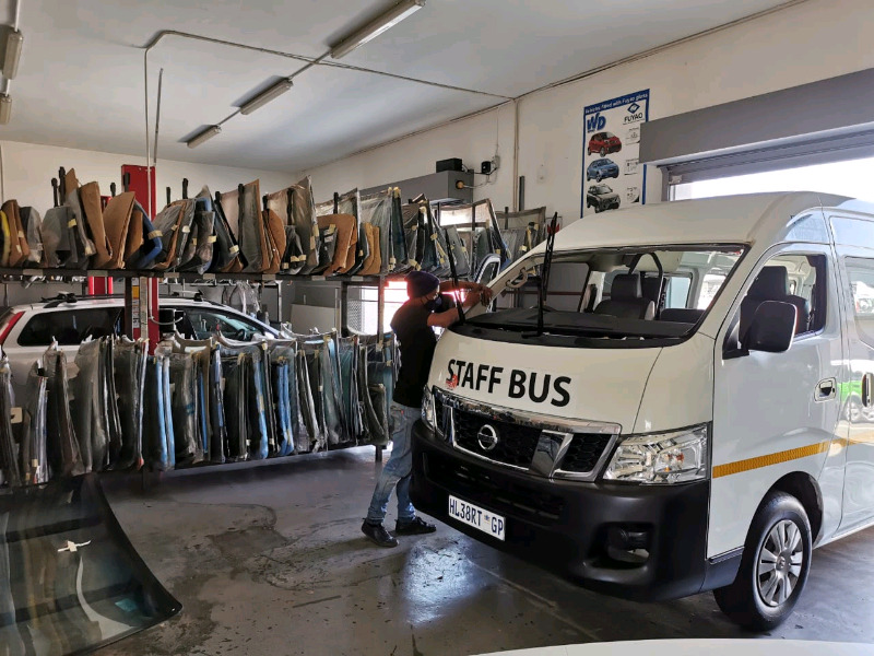 Cheap Shatterproof windscreens for taxis