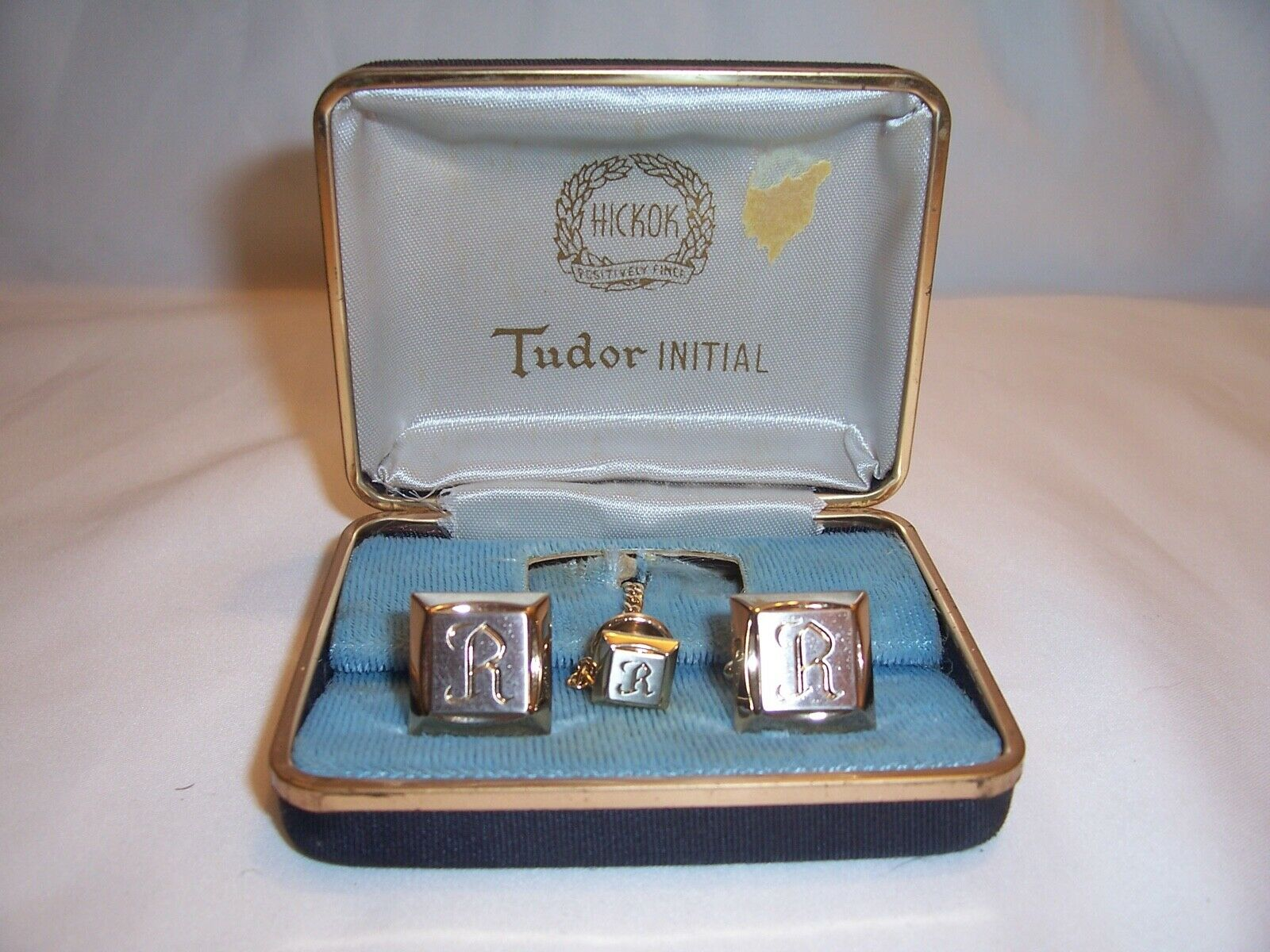 Vintage Tudor Initials R cuff links and tie tac Never worn
