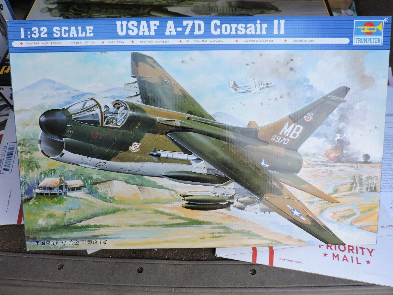 02245 1 32 escala USAF A-7D Corsair II avión Fighter Warplane Trumpeter