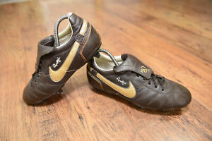 Nike Ronaldinho R10 SG Scarpe Da Calcio Misura UK 8 Tiempo Legend